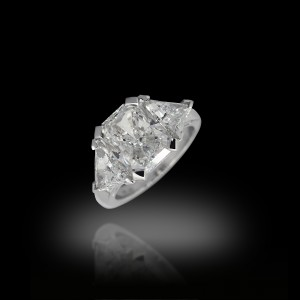 4 Carats Solitaire Diamond Ring